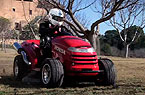 Mean Mower: Conhe�a o cortador de grama mais r�pido do mundo