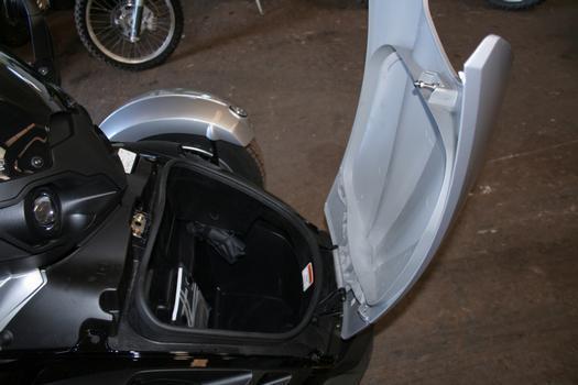 Para viagens, modelo tem porta-malas de 44 litros, na dianteira
