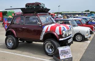 Comemorações de 50 anos do Mini Cooper