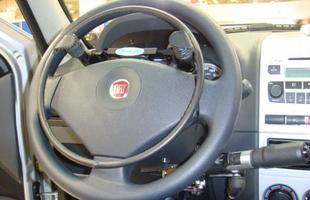 Acelerador em forma de aro no volante