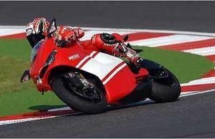 A Desmosedici RR é a versão de rua da moto do campeonato de MotoGP de 2006