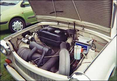 Pequeno motor de 594 cm³ é capaz de gerar 26 cv e 5,3 kgfm