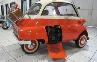 O pequeno motor de moto, logo foi substituído por outro de 1 cilindro, 247 cm³, com menos de 13 cv de potência