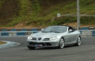 O desempenho é extraordinário: de zero a 100 km/h são necessários 3,8 segundos, com uma velocidade máxima de 330 km/h