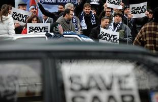 Escala mundial: defensores da Saab protestam na frente da embaixada norte-americana em Sofia, capital da Bulgária