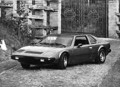 O ML 929, primeiro modelo da Farus, era um cupê de linhas retas inspirado no Lotus Esprit - Farus/Divulgação