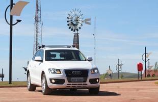 O Audi Q5 2.0 T parte de R$ 205.840 na versão Attraction, valor que sobe para R$ 229.503 na Ambiente e chega aos R$ 274.500 pela 3.2 Quattro completa