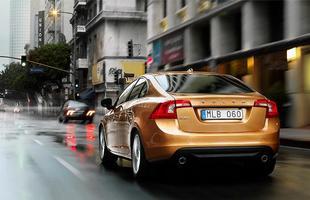 O carro ainda conta com o sistema City Safety, que impede batidas contra a traseira de outros veículos em baixas velocidades