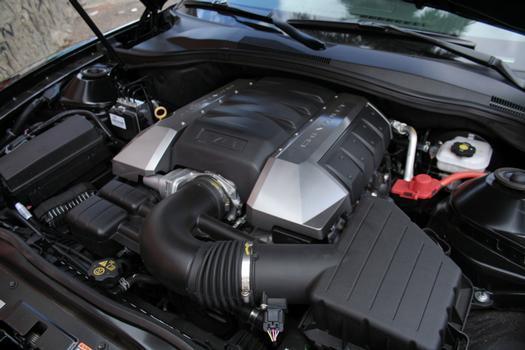 Motor V8 6.2 confere desempenho impressionante
