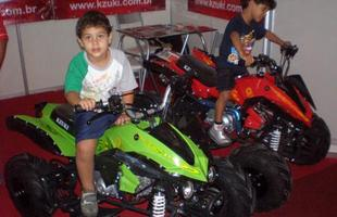 Miniquadriciclos e minimotos fazem a cabeça da criançada