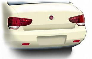 A traseira fica semelhante à atual, que também se inspira em modelos mais caros