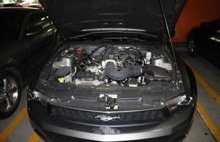 Motor V6 3.7 litros gera 309 cv de potência: não tem como não passar esportividade