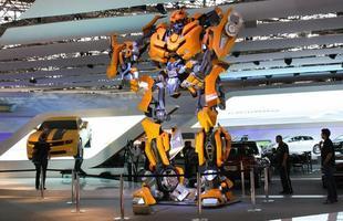 Com o Transformers, entrada do estande da Chevrolet já mostra imponência