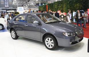 Com dimensões similares a do Toyota Corolla, 620 custa a metade do modelo da marca japonesa