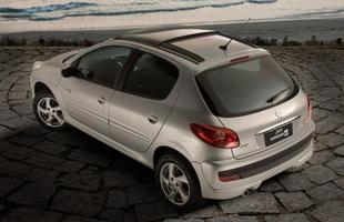 """Em 2008, a Peugeot lançou o 207 que não passava de um """"face lift"""" do 206"""