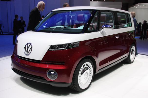 Com estilo retr�, minivan � equipada com motor el�trico que rende 115 cavalos e velocidade m�xima de 140 km/h