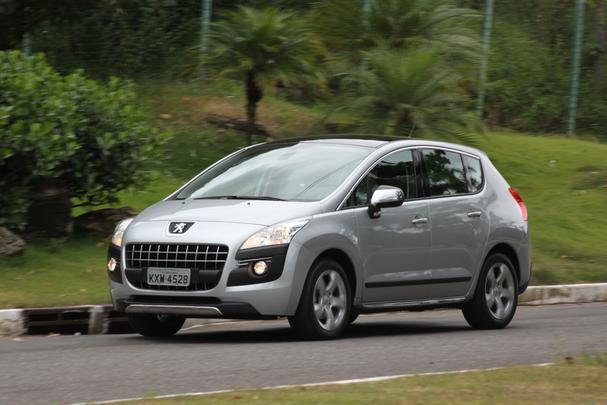 Importado da França, modelo chega ao Brasil com muitas qualidades, como amplo espaço interno, eficiente conjunto motor/câmbio, bom pacote de segurança e visual arrojado