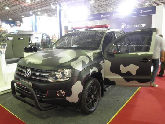 VW Amarok policial blindada pela Inbra