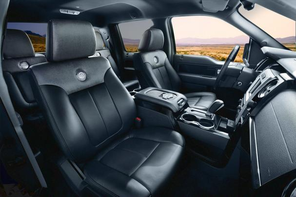 F-150 Harley-Davidson modelo 2012 conta com o poderoso motor V8 de 6.2 litros a gasolina que rende 411 cavalos de potência