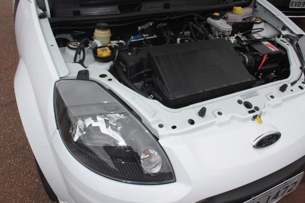 Com visual exclusivo, versão Sport do Ford Ka é a única com motor 1.6. Com até 107cv de potência, compacto demonstra fôlego, agilidade e se agiganta em trechos sinuosos