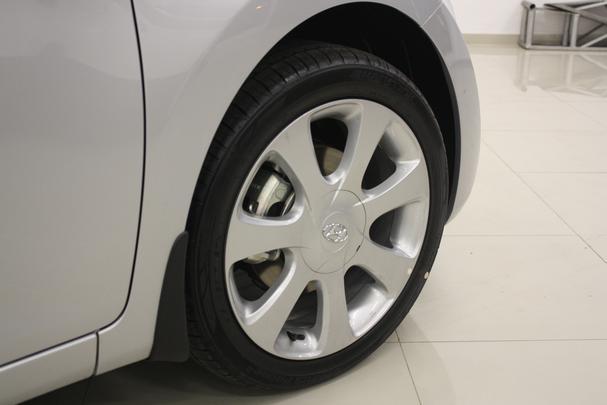Concession�rias de BH come�am a receber o Hyundai Elantra