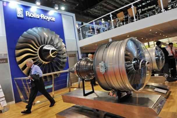 Motores expostos no estande da Rolls-Royce