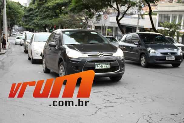 Citroën C3 2013 circula sem disfarces pelas ruas de Belo Horizonte
