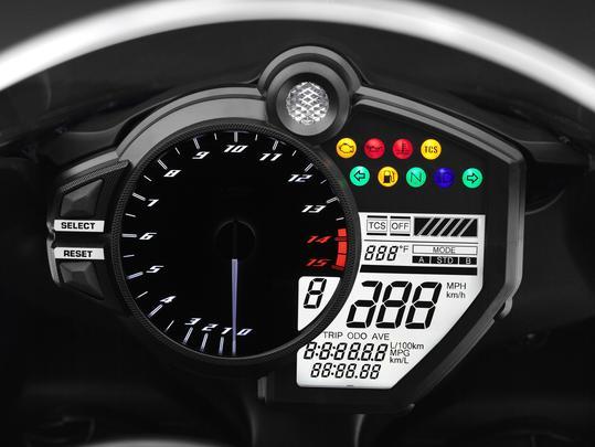 Yamaha R1 2013 - T�o Mascarenhas/EM/D.A PRESS e Yamaha/Divulga��o
