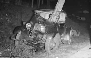 Difícil acreditar que o condutor deste carro tenha sobrevivido ao acidente