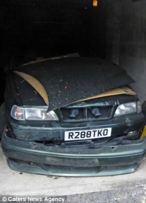 Contador roubou mais de 1 milhão de reais de uma instituição de caridade  para comprar 105 carros