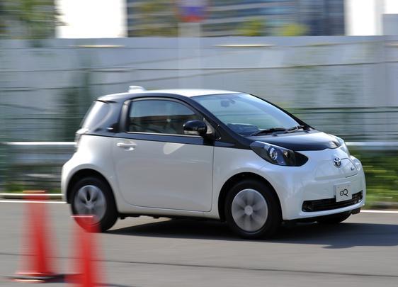 Toyota apresenta o eQ elétrico que chega a 125 km/h, tem 100 km de autonomia e leva 3 horas para recarregar
