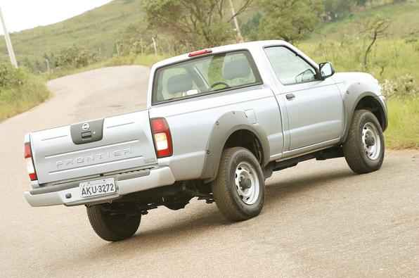 Nissan Frontier Cabine Simples 2004
