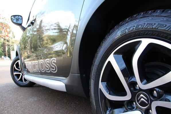 Citroën C3 Aircross 1.6 16V Exclusive. O modelo ganhou novo motor equipado com o sistema Flexstart que dispensa o uso do tanquinho de partida a frio.