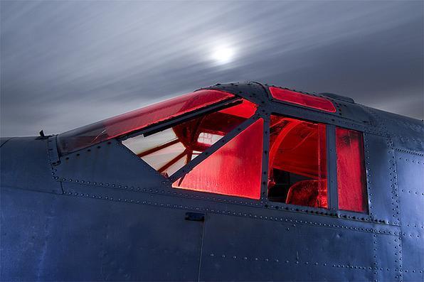 1930s Beechcraft - Troy Paiva registra imagens noturnas no Velho Oeste dos EUA