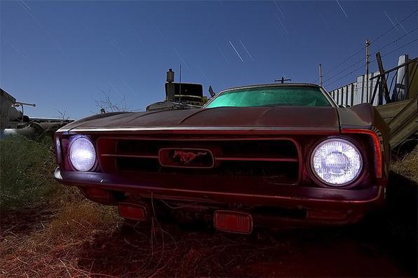 Mustang ano 71 ou 72 - Troy Paiva registra imagens noturnas no Velho Oeste dos EUA