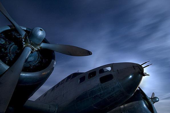 B-23 Dragon da década de 1940 - Troy Paiva registra imagens noturnas no Velho Oeste dos EUA