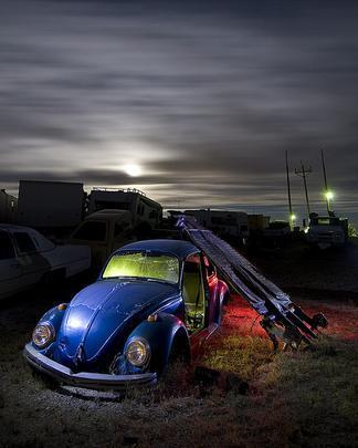 Fusca em Searchlight, Nevada - Troy Paiva registra imagens noturnas no Velho Oeste dos EUA