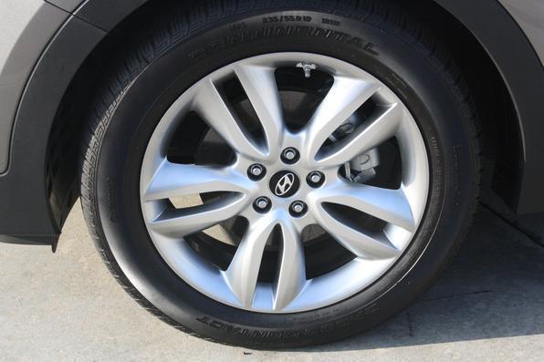 Mesmo sendo um SUV, manobras em locais mais apertados foram executadas com grande facilidade pela equipe do Vrum em Los Angeles