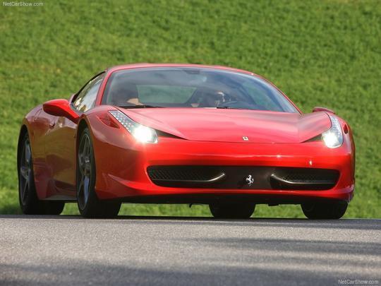 4º - Ferrari 458 Italia 2012: R$ 48.387 Valor comercial: R$ 1.479 milhão
