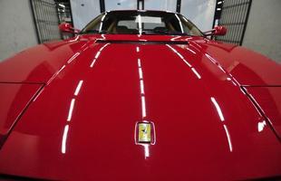 Ferrari Testarrossa 1988 foi leiloada por R$ 462 mil em Belo Horizonte