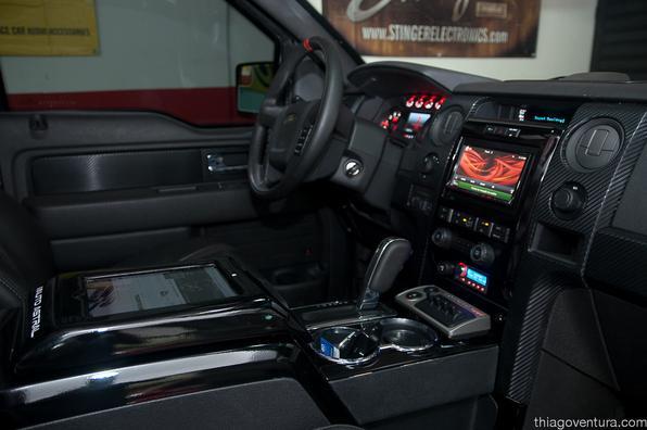 Picape americana recebeu aparalhagem de som de alta perfomance de 1200W. Modelo tem motor V8 de 411 cavalos