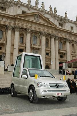 Mercedes ML 430 usado por João Paulo II