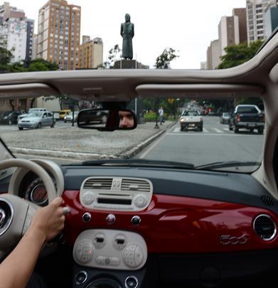 A estátua em homenagem ao mártir da Inconfidência Mineira, Joaquim José da Silva Xavier, é marca da Praça Tiradentes, na confluência entre as avenidas Afonso Pena e Brasil
