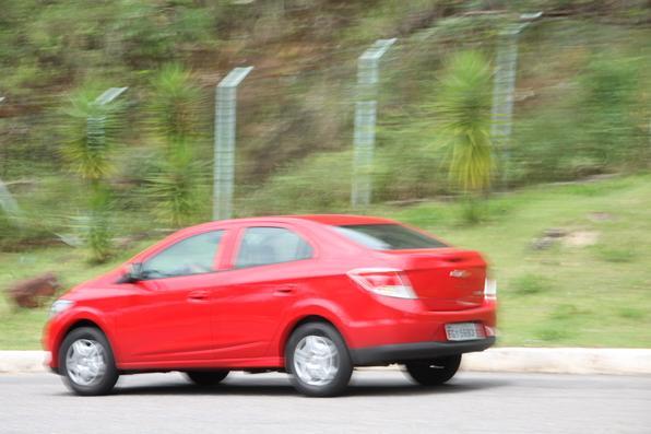 Novo Chevrolet Prisma LT 1.0 encara a concorrência e mostra suas virtudes e defeitos (Fotos: Marlos Ney Vidal/EM/D.A Press)