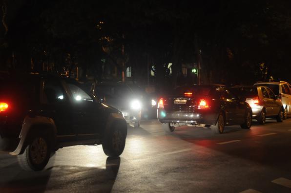 cruzamento quase fechado na avenida Francisco Sales, esquina com avenida Carandai, bairro Funcionarios