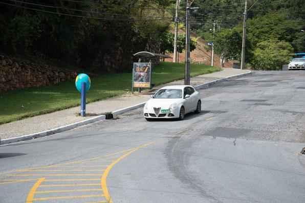 Fiat testa Alfa Romeo Giulietta para lançamento no Brasil e carros subcompactos das concorrentes para desenvolvimento de seu City Car
