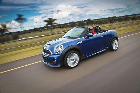Mini Cooper cabrio é vendido nas concessionárias por R$ 139 mil