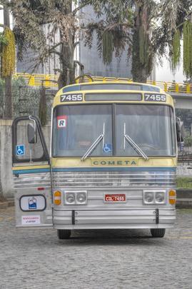 Viação Cometa ressuscita coletivo para comemorar 65 anos. Miniaturas do veículo serão sorteadas entre os passageiros