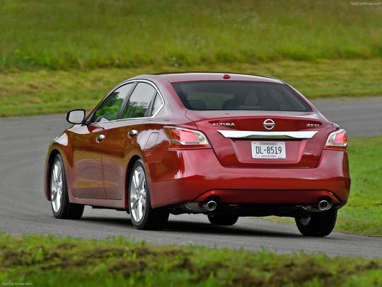 Nissan iniciou a pré-venda no sedã grande Altima no Brasil, por R$ 99,8 mil