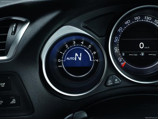 o DS4 traz o já conhecido motor THP 1.6, com turbocompressor, acoplado a uma transmissão automática sequencial de seis marchas